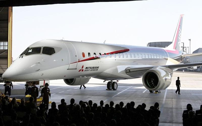 image of The Mitsubishi Regional Jet (MRJ) passenger aircraft